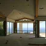 Views of the Pacific in the distance strongly motivated the design to include as much glass as possibly.